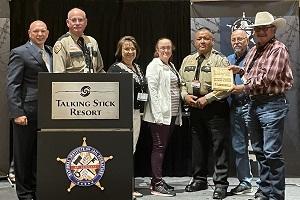 https://jailtraining.org/wp-content/uploads/2021/07/Awards_Apache-County_300x200-300x200.jpg
